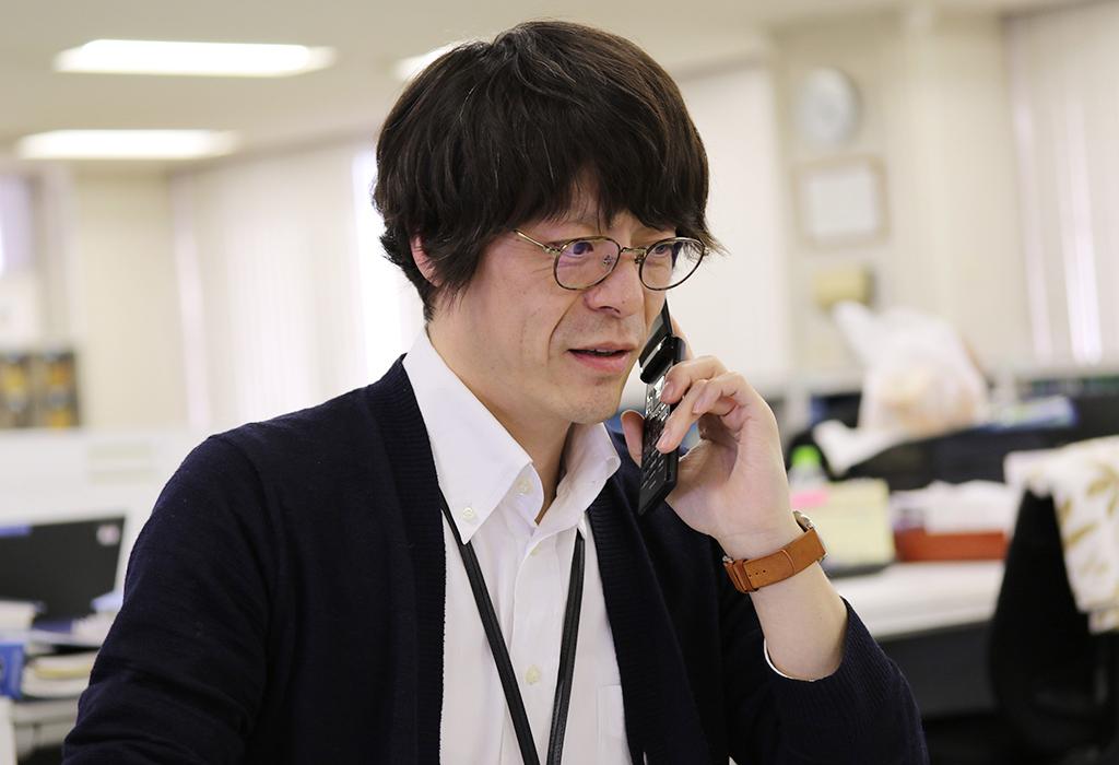 広報に来て間もない伊藤さん。初めての社長撮影では、「社長の笑顔が引き出せなかった。 今度こそ!」とリベンジ宣言