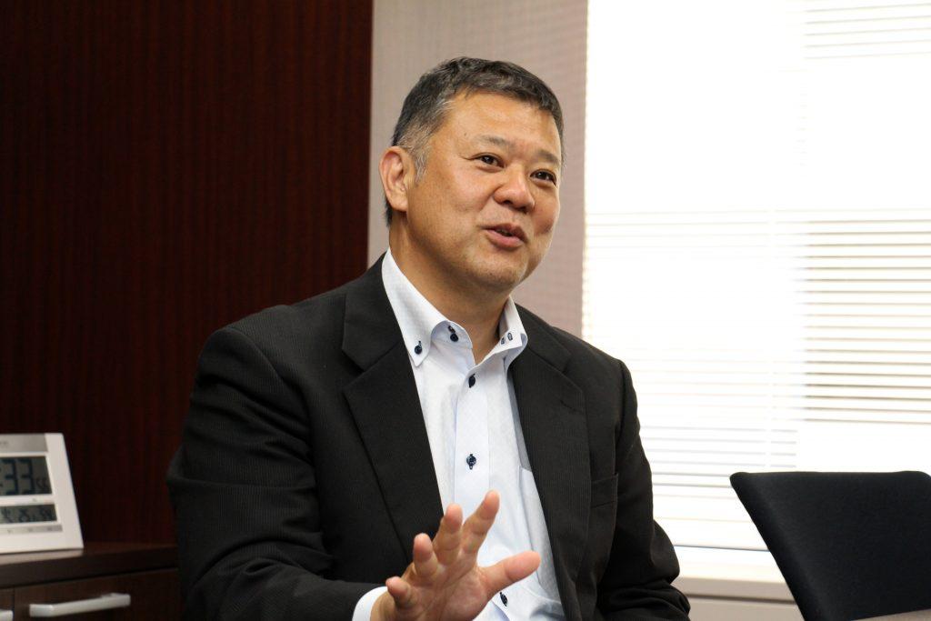 経営会議で初めてプレゼンする西村さんをバックアップした上司の宮崎さん。役員に社内報の成果を明快に伝えられるよう、西村さんのリハーサルは4回行いました