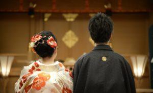 社内報に掲載する結婚報告の写真一例