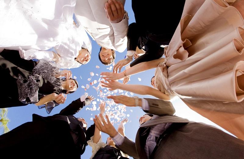 「結婚しました!」からはじまるインターナルコミュニケーション(社内報)
